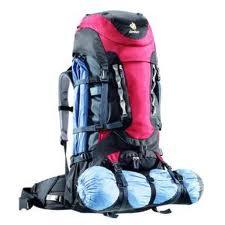 como empacar mochila de mochilero