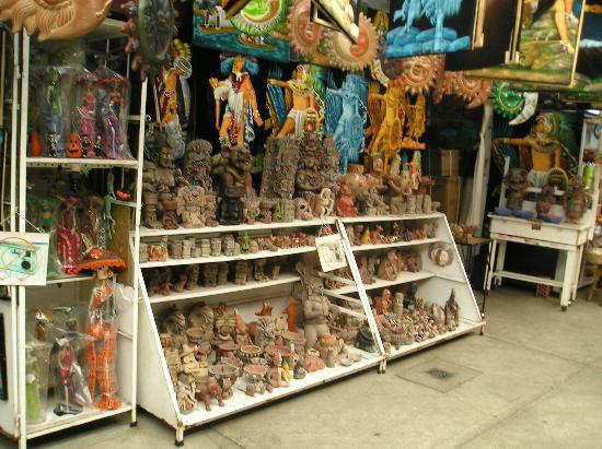 Mercado de Artesanias y Plateria de la Zona Rosa - Mexico DF